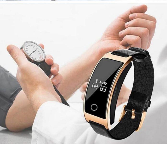 рейтинг фитнес браслетов с измерением давления и пульса